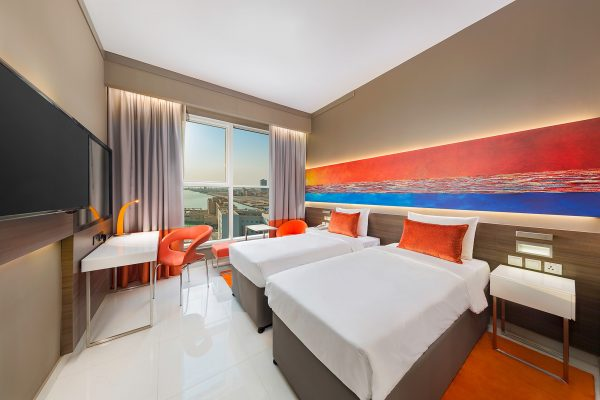 Citymax-Hotel-RAK-Orange-Guest-Room-Interior-Rohit-Ramesh